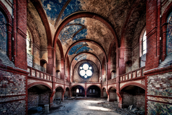 Abandoned-Churches-matthias-haker-07-600x400