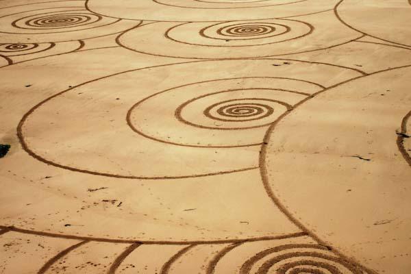 sand-drawings-tony-plant-3